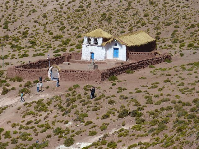 Chile, Deserto do Atacama, Capela Cancosa, ano de 2333