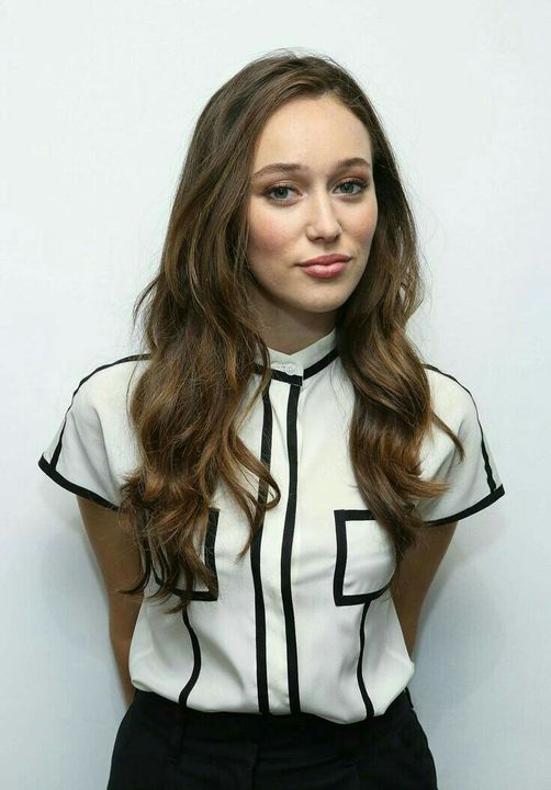 hippiegrierNAME: Alycia Debnam-CareyHAIR COLOR/S: BrownEYE COLOR: BlueAGE: 24 BIRTHDAY: 07/20/1993PLAYABLE AGES: 18-26PLACE OF BIRTH: Sydney, Australia KNOWN FOR: ActingGIF AMOUNT: Good