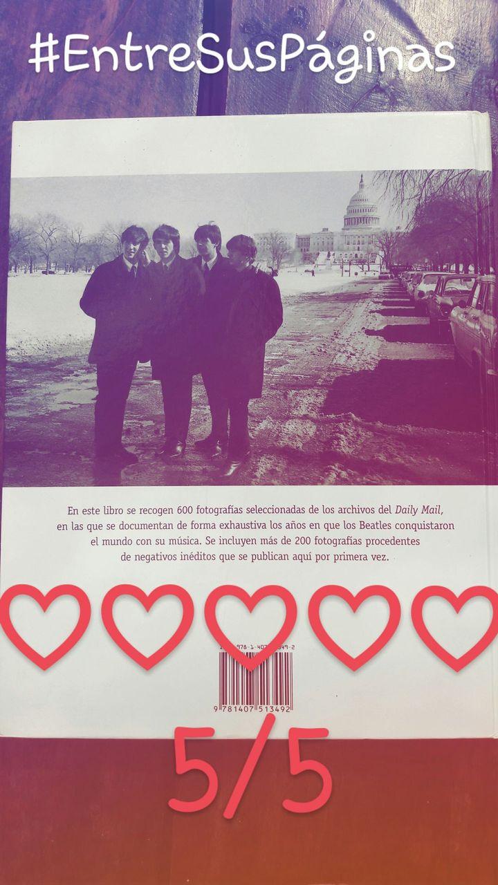 《En este libro se recogen 600 fotografías seleccionadas de los archivos del Daily Mail, en las que se documentan de forma exaustiva los años en que los Beatles conquistaron el mundo con su música