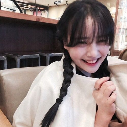Iamaman: She can't stop giggling at her own joke haha♡