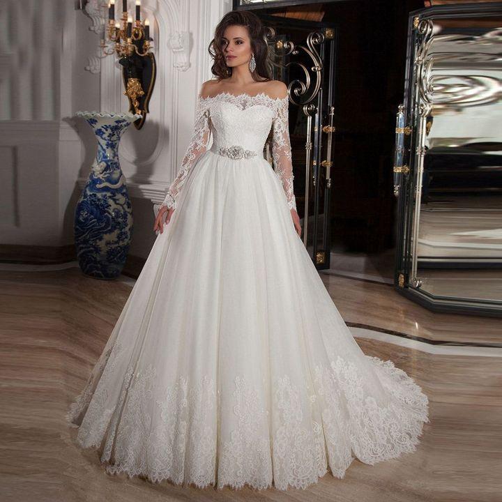 (Если вы забыли, то, вот так, выглядит платье невесты)