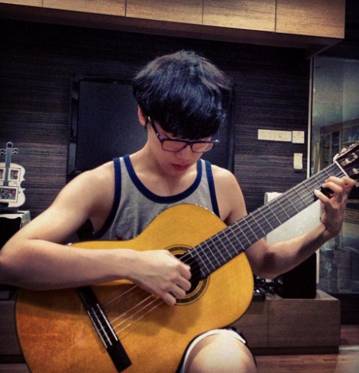 Doyoung cute: Oo hahaha! Walang wala yan sa Chittaphon natin!