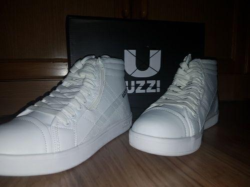 2 Uzlzzy Thực chất là Uzzi là một hãng giày tại Ý của nhà thit k Michael Kees