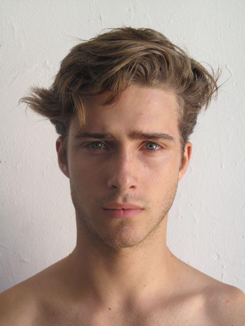 Rex; 17 years old, twin sister Jaydeen, grey eyes, dirty blonde hair, fair skin