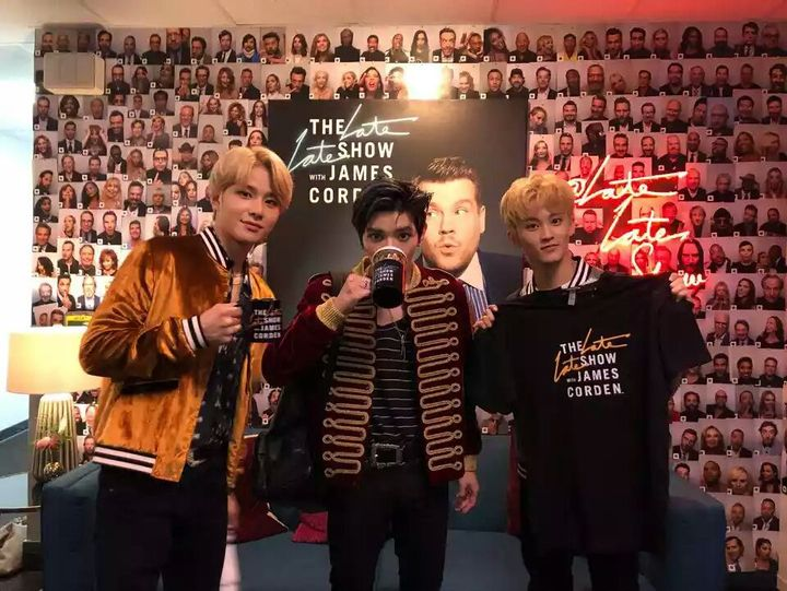 tayotrack nongki together my son mark handsome in cafe news-nya pak jungwoo👍 (mark get a fashion free from pak jungwoo okay thank top)