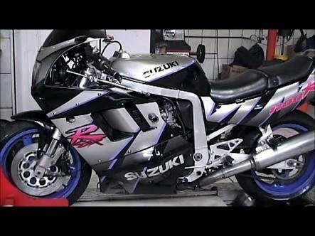 -- a moto mais linda de todas estava bem ali na minha frente