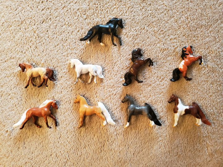 Mini Whinnies Surprise Breyer Series 2 Tiny Model Horse Chance