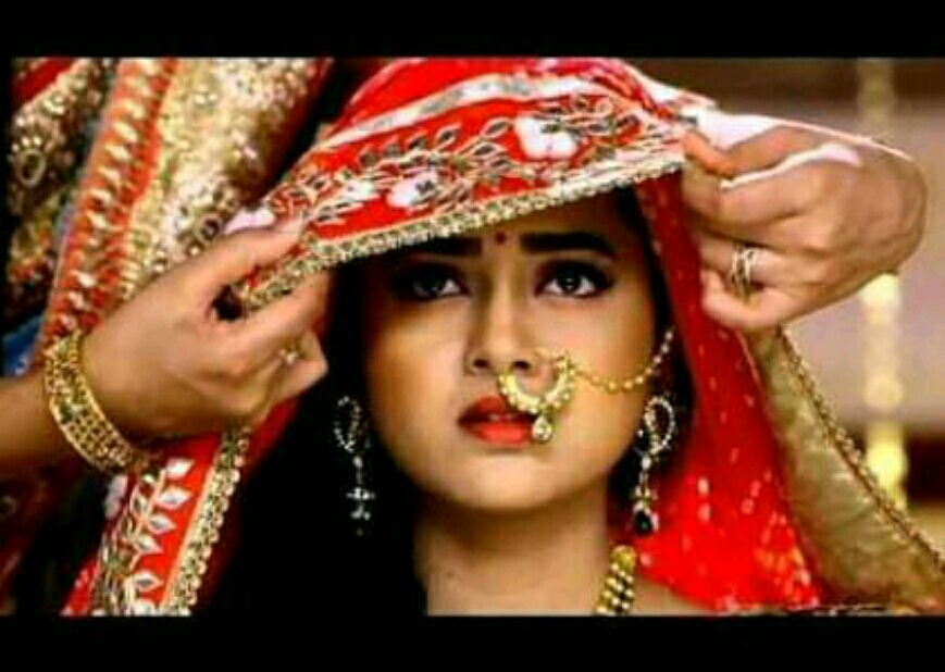 But everyone got shocked to see the beautiful face behind the veil especially Laksh