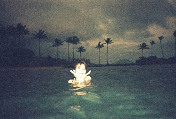 Đây là một trong những tấm Lisa chụp cho Jisoo đấy mỹ nhân dưới làn nước