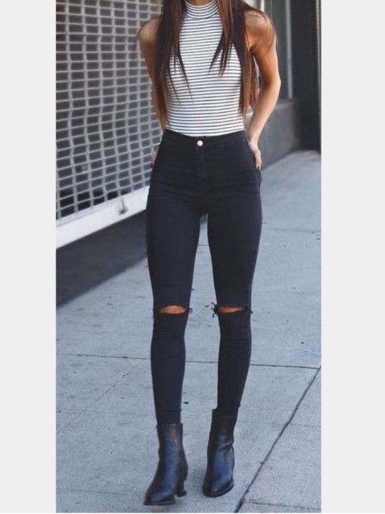 Giselles outfit^   I heard a beep and looked at my phone seeing I had a text from my best friend Laylani L- Ready for the first day of school a
