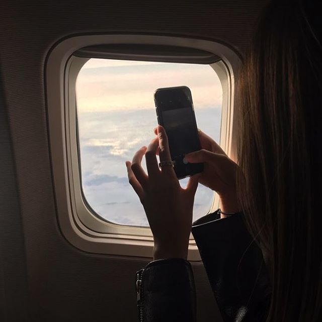 удивлению, фото девушек в самолете что мне