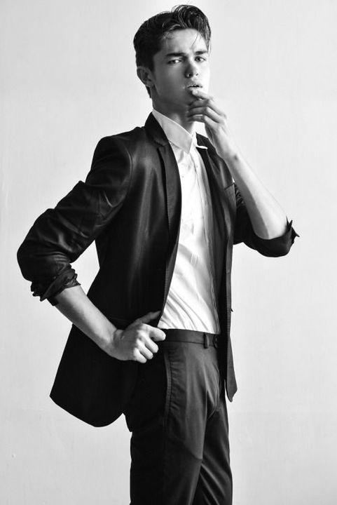 George Gausden as Monroe Savage-Warfield