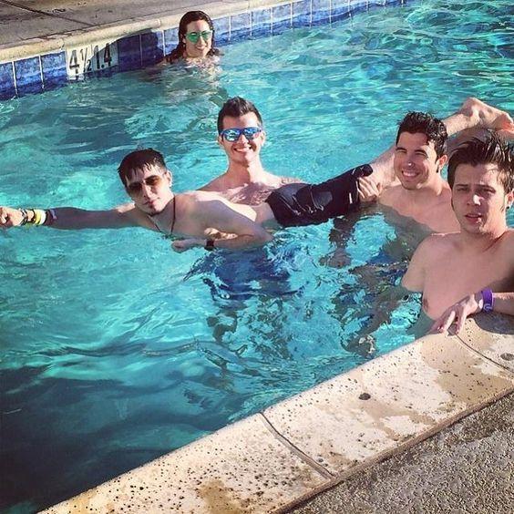 BystaXx: día de piscina
