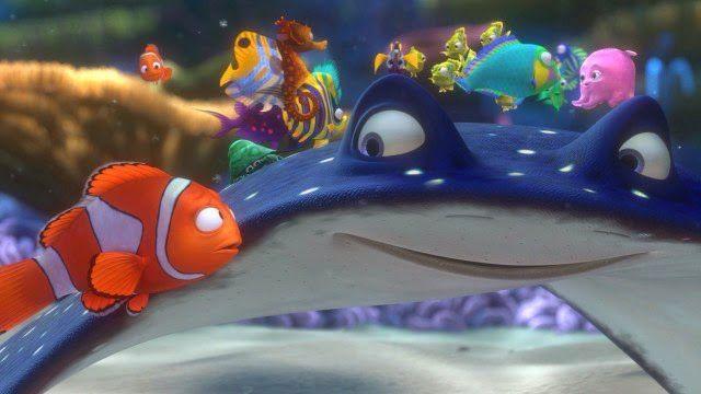 (Quem não se lembra do pai de Nemo, que não acreditava que seu menininho pudesse ser valente e completar a jornada?)