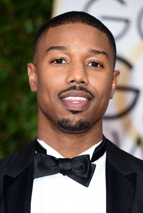É um ator nascido em 9 de fevereiro de 1987 (31 anos) na Califórnia, Estados Unidos