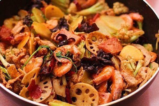 Malatang là một loại ẩm thực có nét đặc sắc nhất cũng là mùi vị Tứ Xuyên lấy làm đại biểu nhất của vùng đất Tứ Xuyên và Trùng Khánh