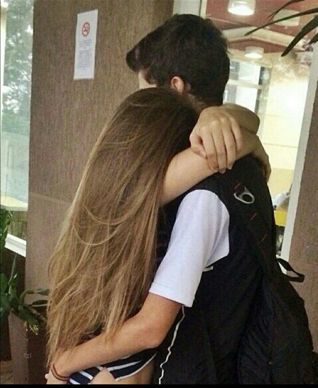 Как парень с девушкой целуются фото на аву