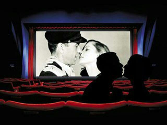красивый секс в кинотеатре на последнем ряду смотреть онлайн