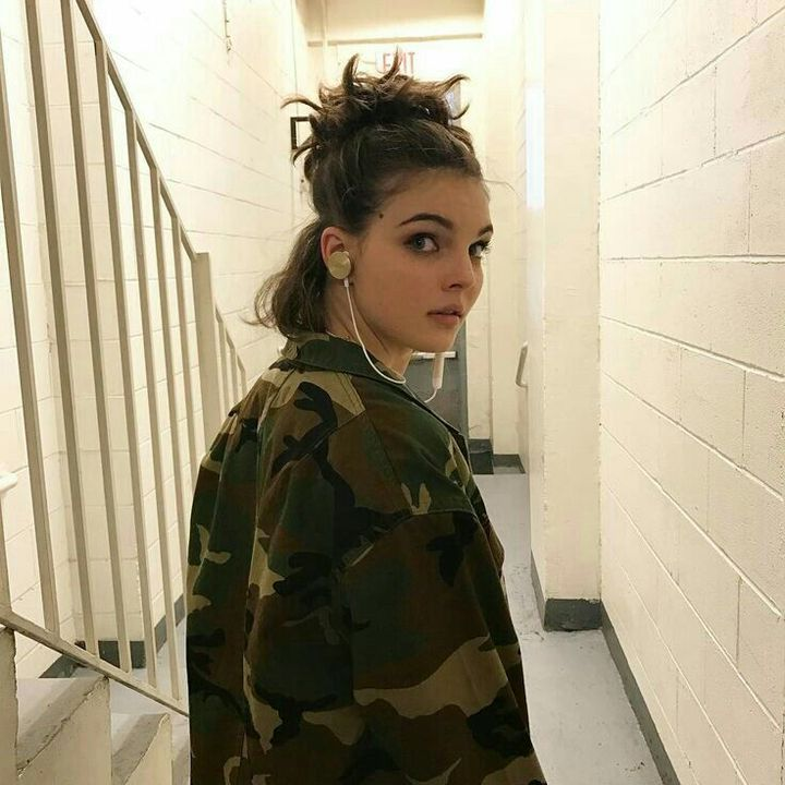 NAME: Camren BicondovaHAIR COLOR/S: Brown, blondeEYE COLOR: GreenAGE: 19BIRTHDAY: 05/22/199PLAYABLE AGES: 16-22PLACE OF BIRTH: San Diego, California, United StatesKNOWN FOR: ActingGIF AMOUNT: Good