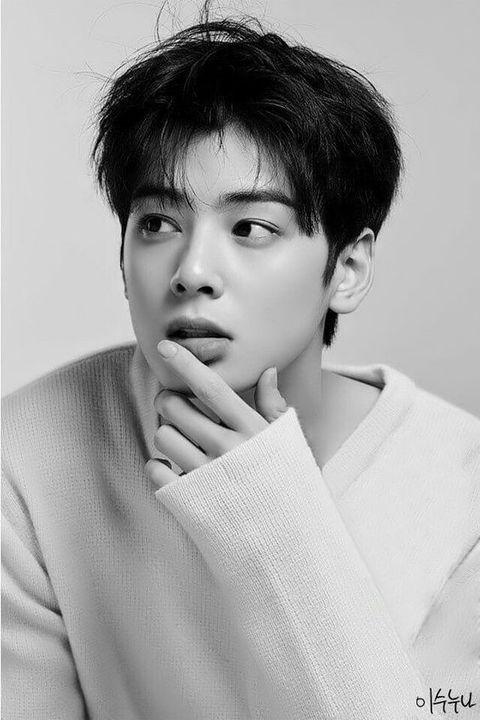 Birth Name: Tachibana SetoStage Name: ApolloKorean Age: 21Birthdate: November 17, 1996Position: Lead Vocalist, Dancer