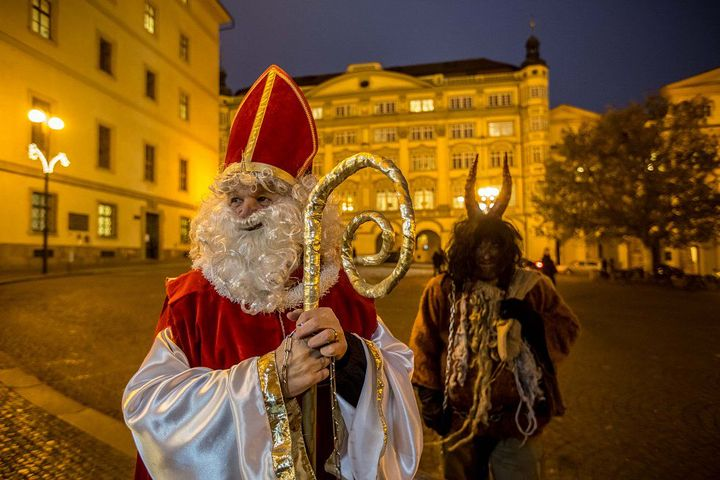 Svatý MIKULÁŠ je uctíván jako patron námořníků, obchodníků, lukostřelců, dětí, lékárníků, právníků, studentů a vězňů
