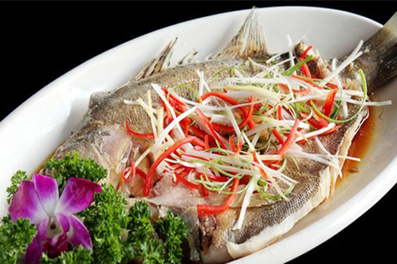 Steamed fish in chili and vinegar sauce