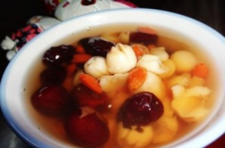 Red dates and lotus seed tea