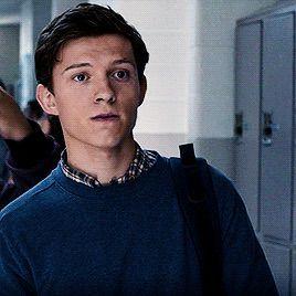 Tom Holland como Ryan Walsh