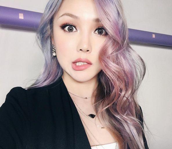 Both hair and makeup ↑