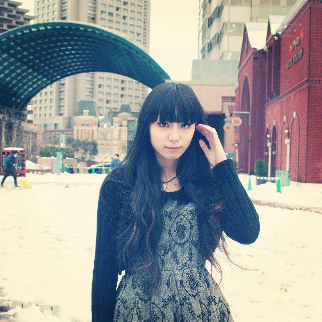 It's cold and rainy, both in San Francisco *and* Tokyo today, so these images of singer-songwriter KIRIA standing in the freshly fallen and freezing snow in Ebisu in Feb