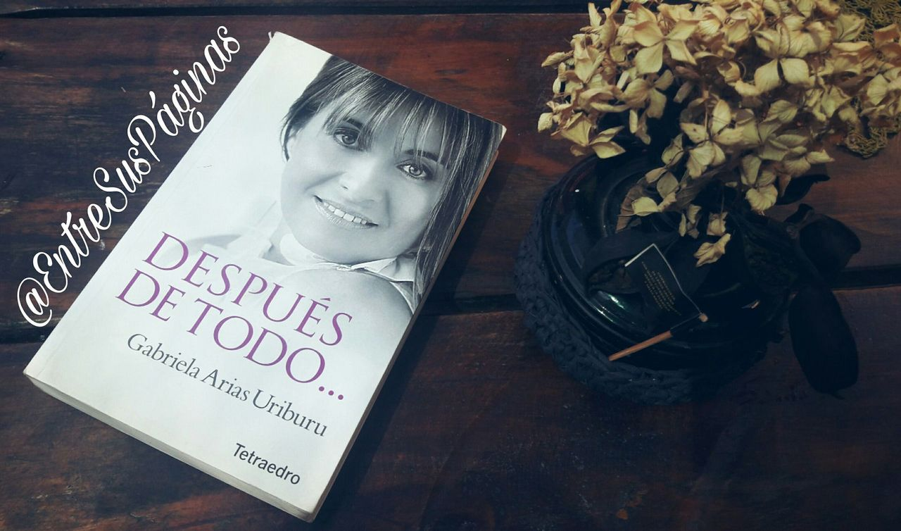 Este libro se lo compró mi mamá hace muchos años ya, apenas salió, y al tiempo vi una entrevista en la tele a la autora y recordé que su libro estaba en casa