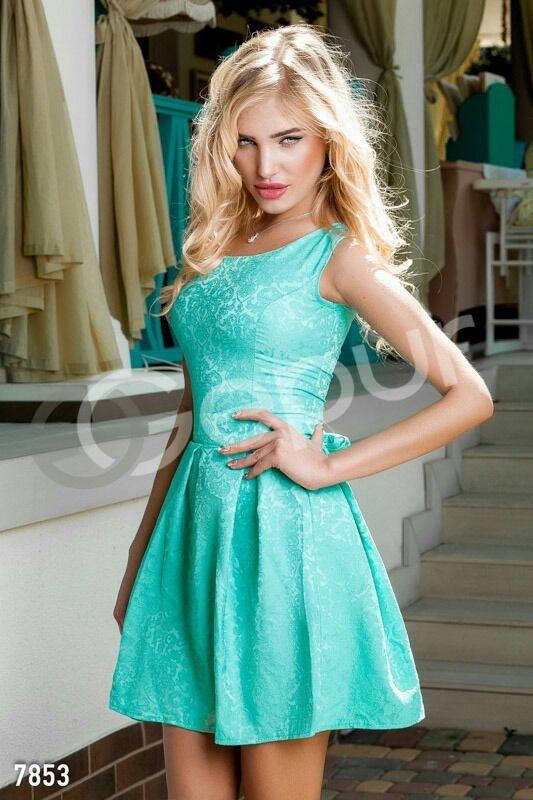 Фото бирюзовое короткое платье