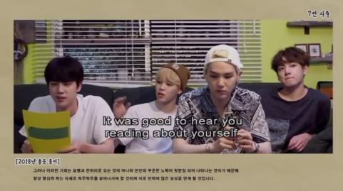 JK kéo tay JM :)))) JM nghiêng người về phía JK kéo :v Rồi ủa chơi trò gì kỳ vậy các bạn :<