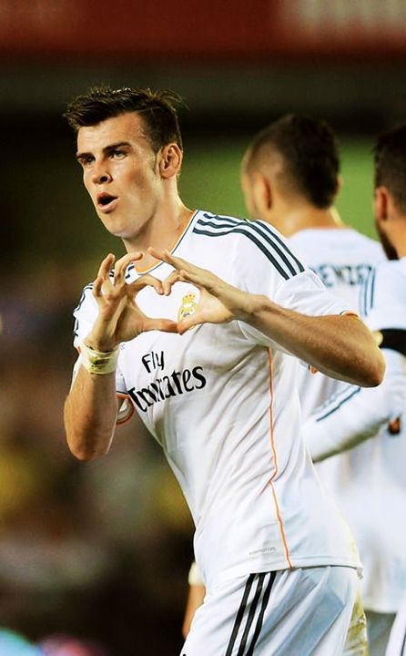Gareth Bale:(Look at Gareth with the shorter hair! I miss it!)