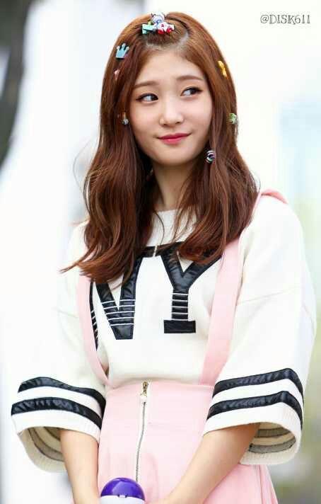 Kekasih Taehyung sejak mereka Sma da juga bekerja di tempat yang sama dengan Taehyung