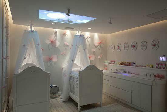Todo iba perfecto, mi suegra y yo comenzamos decorar el cuarto de las niñas, me ilusionaba todo