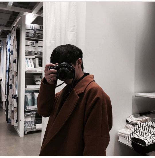 3,690 likesChan_chan: caught him taking pics of me again