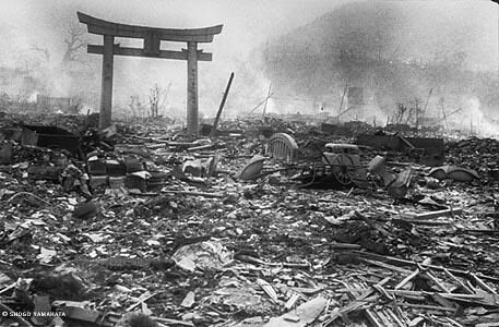 De verwoesting was enorm en alles werd letterlijk van de kaart geveegd