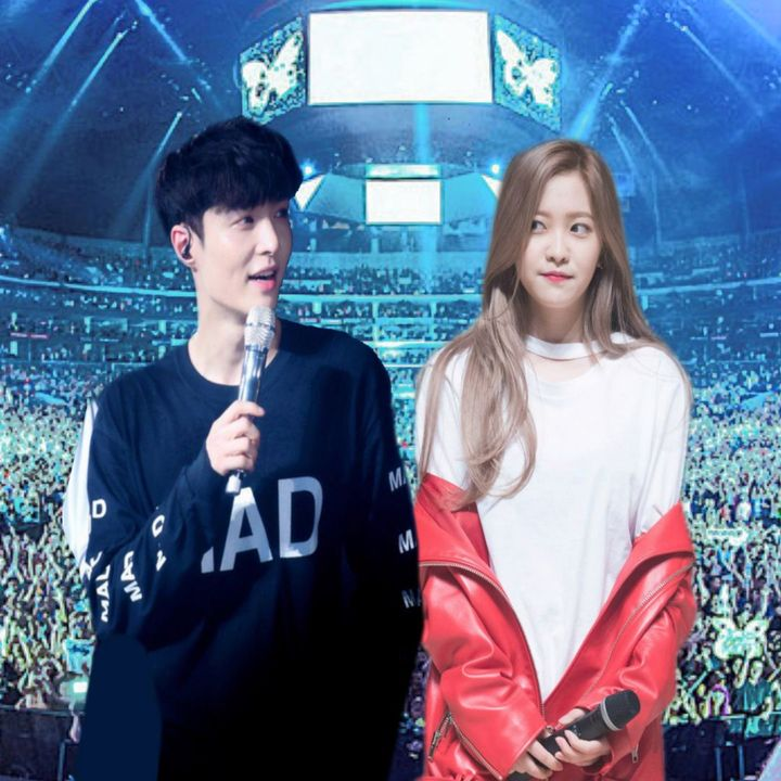 [The two MCs make their way to the MC corner]