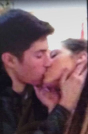 Idk if that's Shawn or not but it looks like him and Lauren)