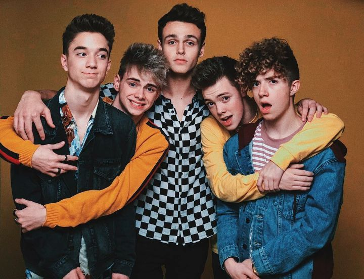 """We were in the hallway the sametime the other boys were """"Oh my gosh were how does this happen!? I asked Zach because we were almost completely matching """"Wait I actually think Corbyn and I match more, though this shirt is yellow"""" I said as we walk..."""