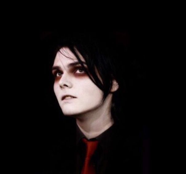 Yo 102 reads in total?! Thanksss I actually never thought that many people would come here to bask in Gerard's Beauty (I have no idea what I just said