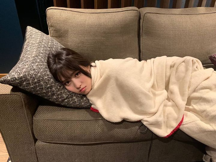"""when i wake up Jeongyeon wasnt in the room and it was pretty scary so i try to sleep here but i ended up watching Kdrama"" she said in a whining tone"