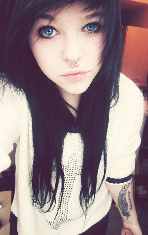 Please Tumblr scene girls with black hair join