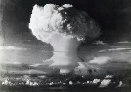 De Japanse keizer wou zich nog steeds niet overgeven dus besloot de Verenigde Staten dat