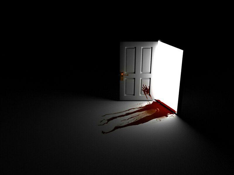 Justo cuando la puerta se abrió, dentro una brisa helada desde la ventana y volvió la energía, me levanté y decidí investigar, en la puerta había una mano marcada con sangre, debajo de la puerta apareció otro pedazo de papel ensangrentado el suelo...