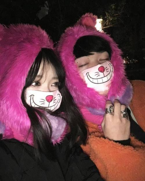°Cada vez que ve algo tierno o gracioso como gorros y máscaras de animales compraría dos para tener esta prenda combinada contigo