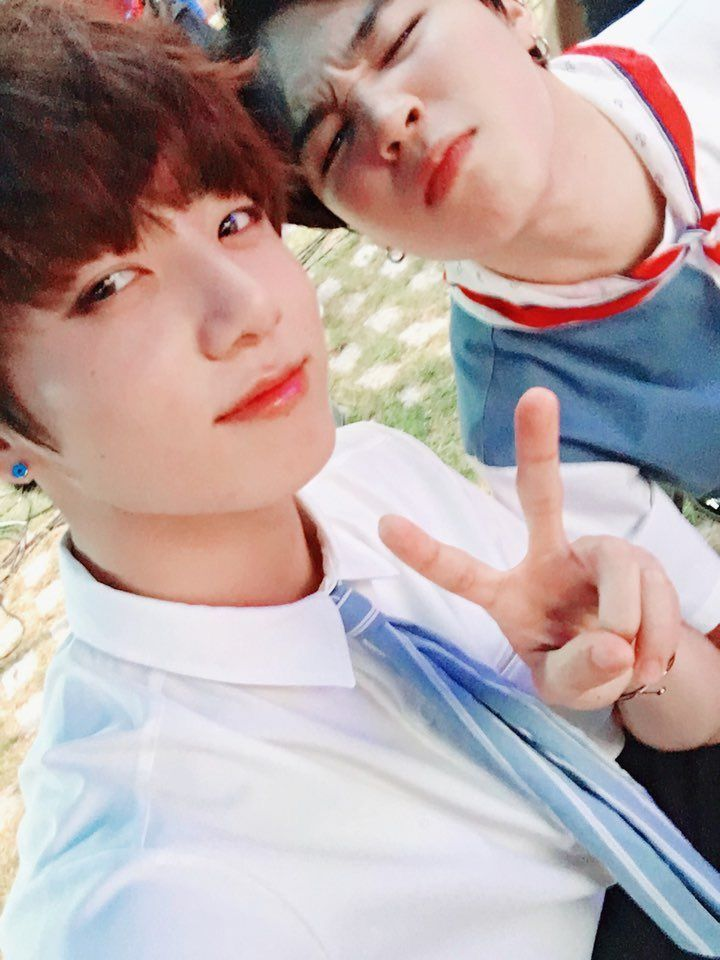 JUNGKOOKcontinuation of my boyfriends thread since we decided to stay another week ✨ |