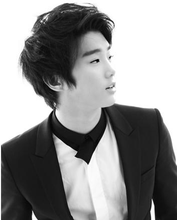 Taeyeon Kim Seorang pengusaha pemilik perusahaan dalam bidang otomotif dan juga perhotelan adalah sosok laki-laki yang sangat sentimental