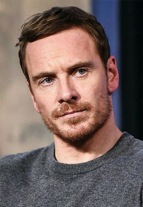 É um ator e produtor nascido em 2 de abril de 1977 (idade 41 anos) na Alemanha